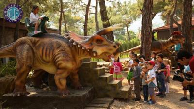 تور پارک دایناسورها از کریش