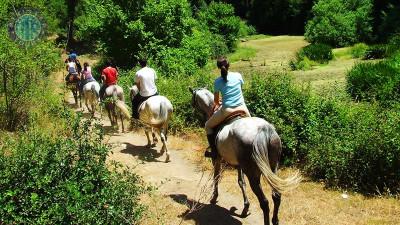 Horse riding in Turkler